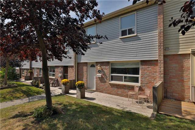 Condo Townhouse at 1055 Shawnmarr Rd, Unit 190, Mississauga, Ontario. Image 12
