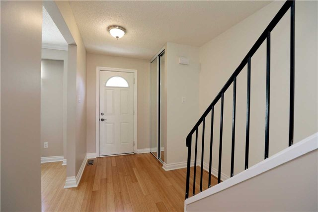 Condo Townhouse at 1055 Shawnmarr Rd, Unit 190, Mississauga, Ontario. Image 14