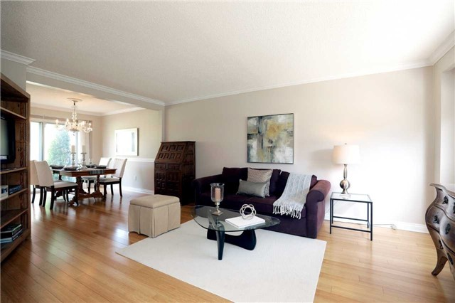 Condo Townhouse at 1055 Shawnmarr Rd, Unit 190, Mississauga, Ontario. Image 15