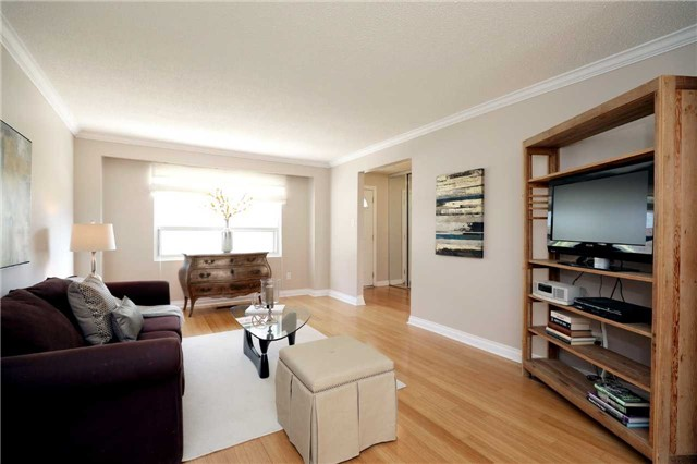 Condo Townhouse at 1055 Shawnmarr Rd, Unit 190, Mississauga, Ontario. Image 16