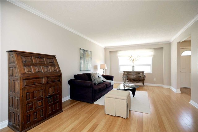 Condo Townhouse at 1055 Shawnmarr Rd, Unit 190, Mississauga, Ontario. Image 17