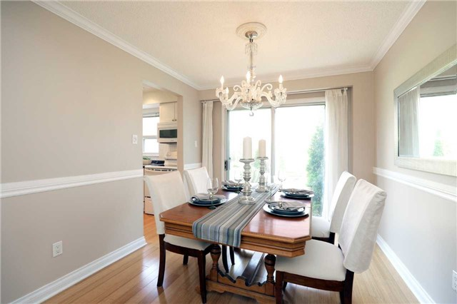 Condo Townhouse at 1055 Shawnmarr Rd, Unit 190, Mississauga, Ontario. Image 18
