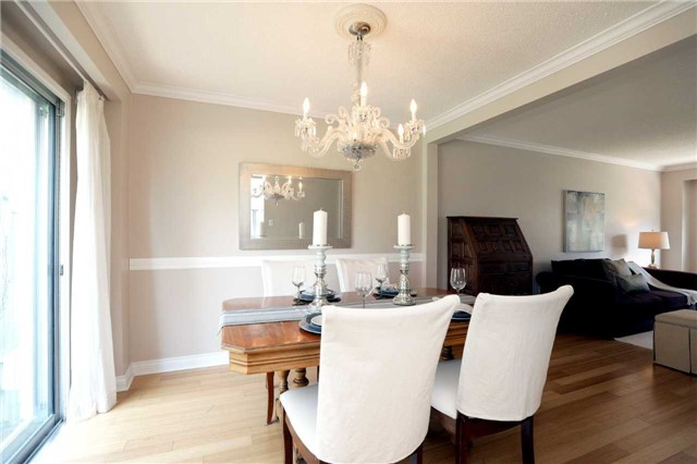 Condo Townhouse at 1055 Shawnmarr Rd, Unit 190, Mississauga, Ontario. Image 19