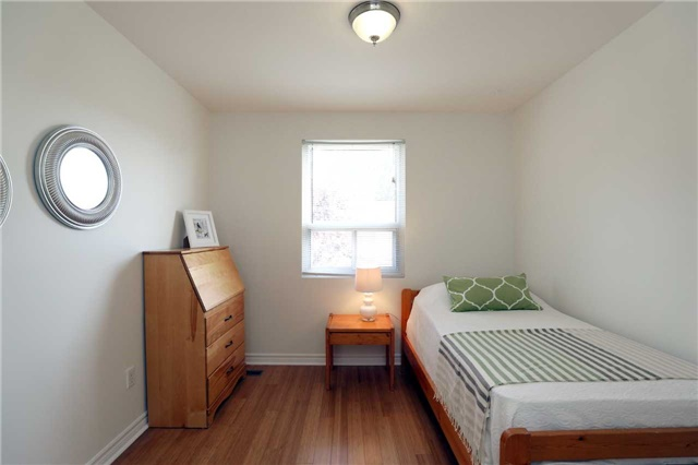 Condo Townhouse at 1055 Shawnmarr Rd, Unit 190, Mississauga, Ontario. Image 6