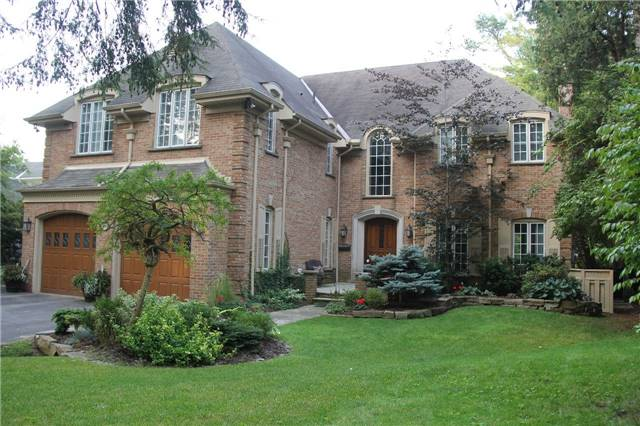 Detached at 1256 Glen Rd, Mississauga, Ontario. Image 12
