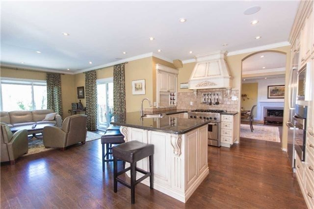Detached at 1256 Glen Rd, Mississauga, Ontario. Image 17