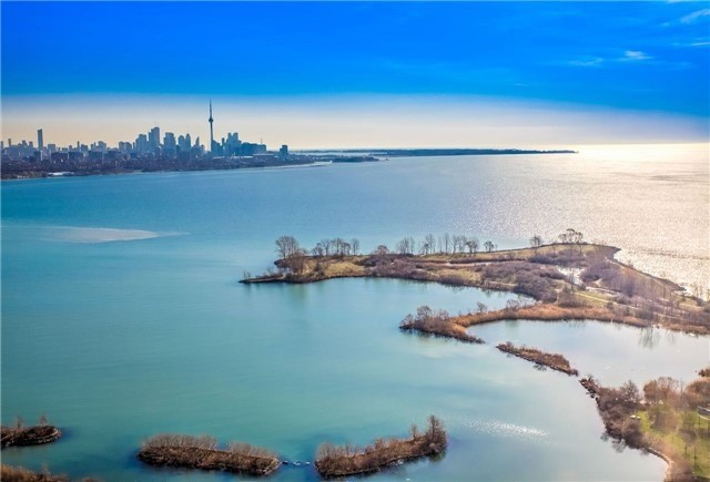 Condo Apartment at 2175 Lake Shore Blvd W, Unit 3206, Toronto, Ontario. Image 1