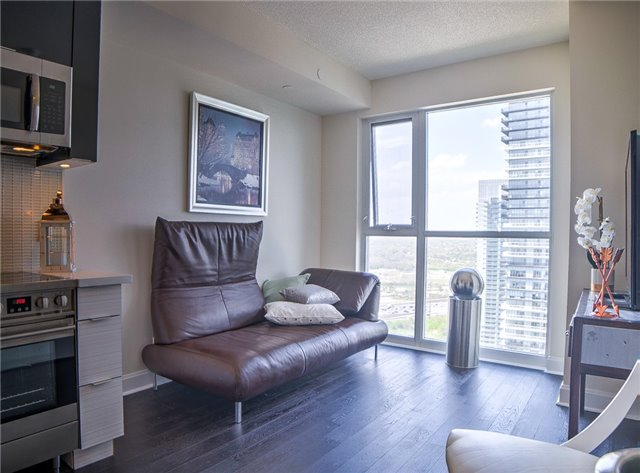 Condo Apartment at 2175 Lake Shore Blvd W, Unit 3206, Toronto, Ontario. Image 17