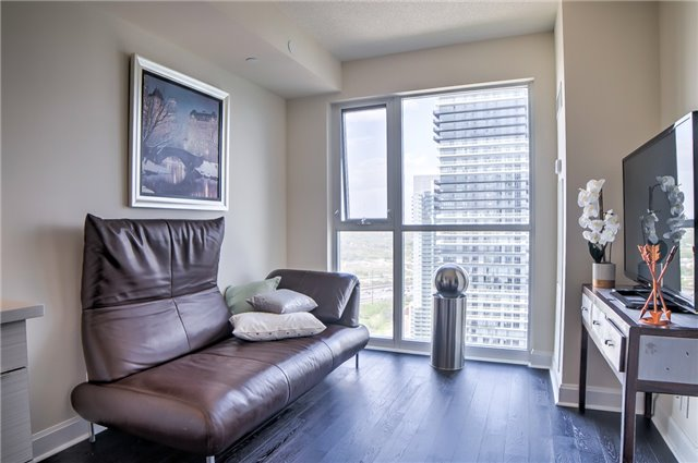 Condo Apartment at 2175 Lake Shore Blvd W, Unit 3206, Toronto, Ontario. Image 18
