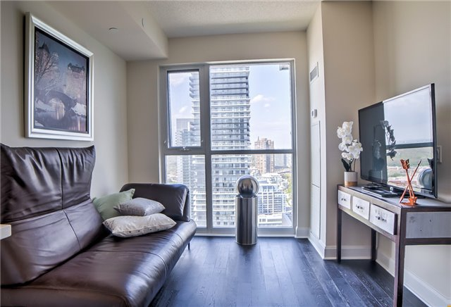 Condo Apartment at 2175 Lake Shore Blvd W, Unit 3206, Toronto, Ontario. Image 19