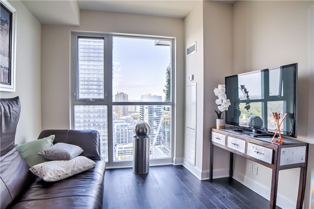 Condo Apartment at 2175 Lake Shore Blvd W, Unit 3206, Toronto, Ontario. Image 2