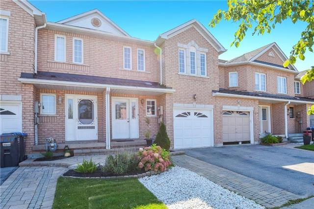 Townhouse at 102 Wood Circ, Caledon, Ontario. Image 12