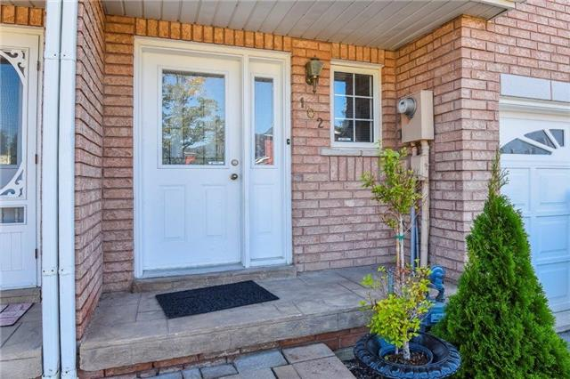 Townhouse at 102 Wood Circ, Caledon, Ontario. Image 13