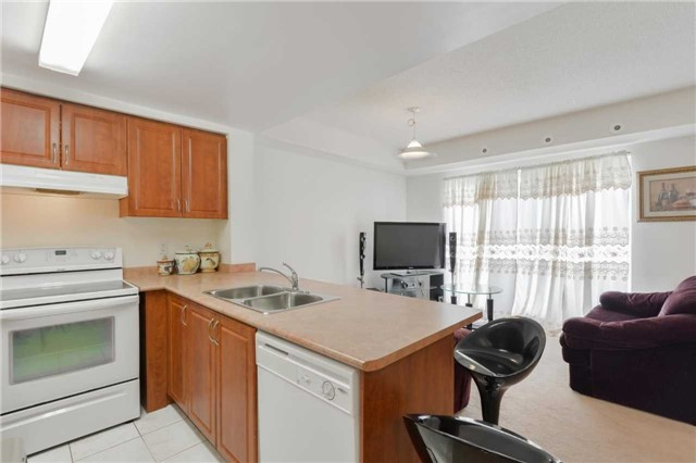 Condo Townhouse at 3043 Finch Ave W, Unit 2029, Toronto, Ontario. Image 10