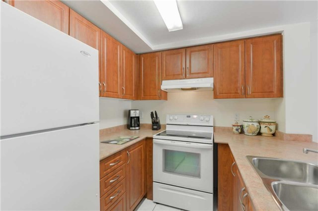 Condo Townhouse at 3043 Finch Ave W, Unit 2029, Toronto, Ontario. Image 14