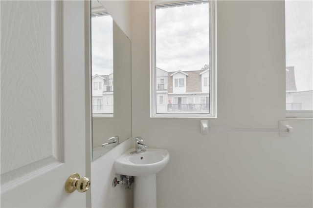 Condo Townhouse at 3043 Finch Ave W, Unit 2029, Toronto, Ontario. Image 15