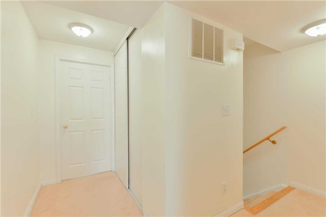 Condo Townhouse at 3043 Finch Ave W, Unit 2029, Toronto, Ontario. Image 16