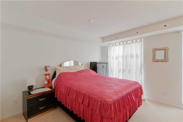 Condo Townhouse at 3043 Finch Ave W, Unit 2029, Toronto, Ontario. Image 2