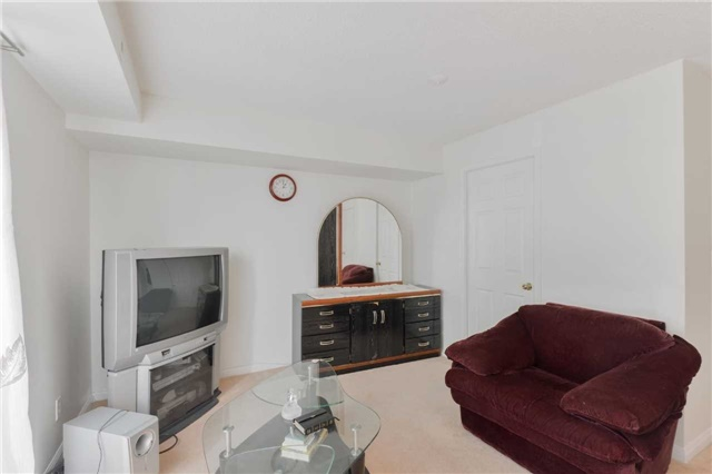 Condo Townhouse at 3043 Finch Ave W, Unit 2029, Toronto, Ontario. Image 3