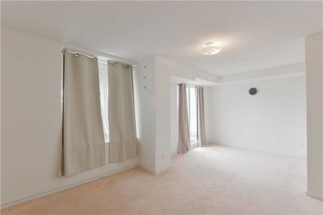 Condo Townhouse at 3043 Finch Ave W, Unit 2029, Toronto, Ontario. Image 6