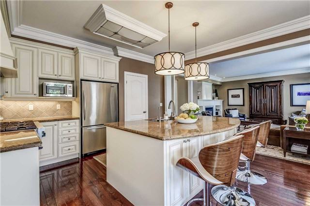 Detached at 3345 Timeless Dr, Oakville, Ontario. Image 4