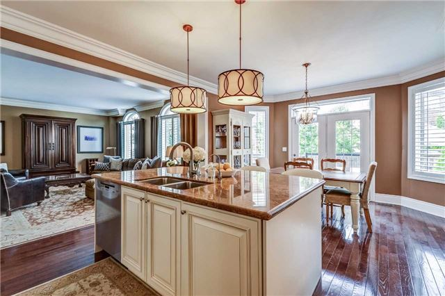 Detached at 3345 Timeless Dr, Oakville, Ontario. Image 5
