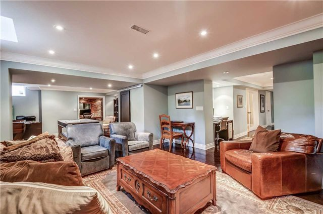 Detached at 3345 Timeless Dr, Oakville, Ontario. Image 9