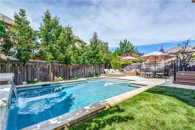 Detached at 3345 Timeless Dr, Oakville, Ontario. Image 11