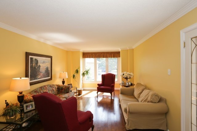 Detached at 5272 Champlain Tr, Mississauga, Ontario. Image 12