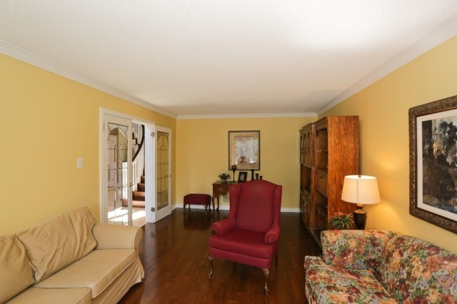 Detached at 5272 Champlain Tr, Mississauga, Ontario. Image 13