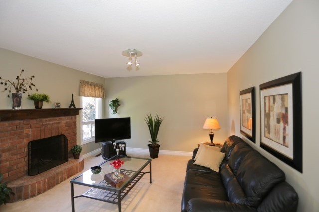Detached at 5272 Champlain Tr, Mississauga, Ontario. Image 17