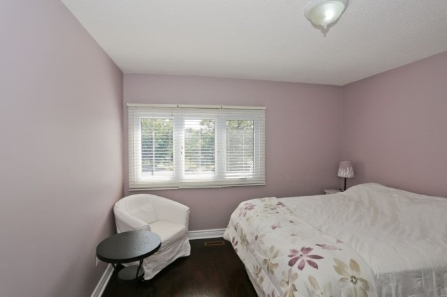 Detached at 5272 Champlain Tr, Mississauga, Ontario. Image 4