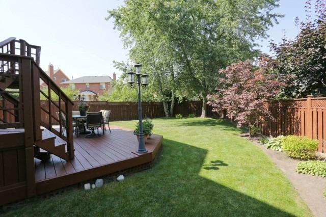 Detached at 5272 Champlain Tr, Mississauga, Ontario. Image 9
