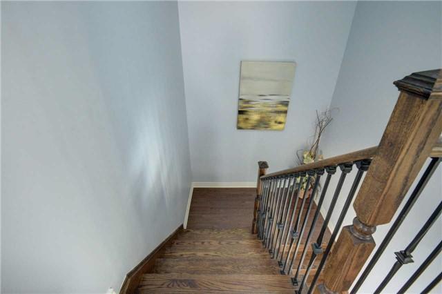Semi-detached at 22 Yellow Sorrel Rd, Brampton, Ontario. Image 6