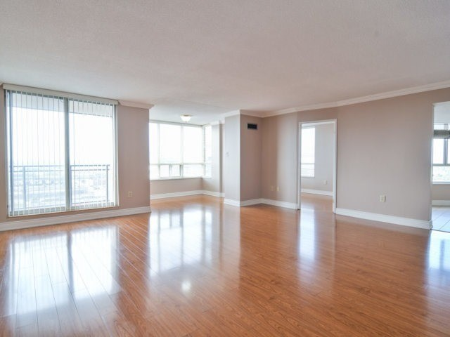Condo Apartment at 20 Cherrytree Dr, Unit 1106, Brampton, Ontario. Image 15