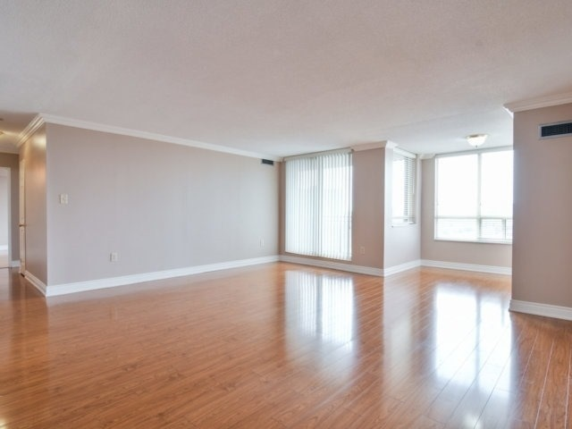 Condo Apartment at 20 Cherrytree Dr, Unit 1106, Brampton, Ontario. Image 16