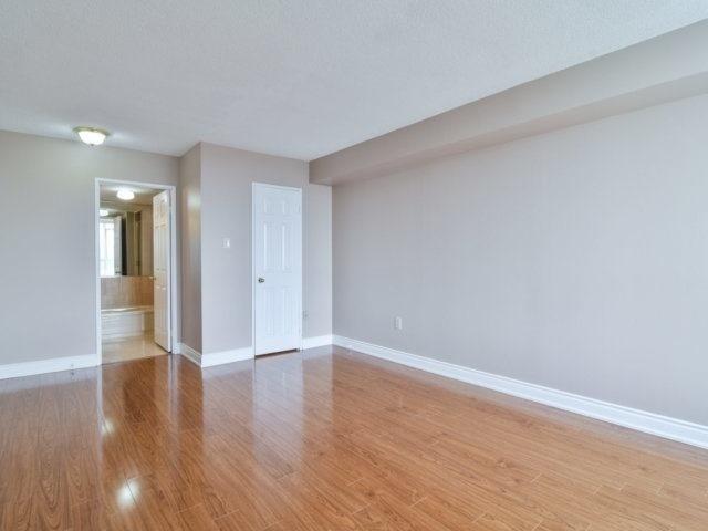 Condo Apartment at 20 Cherrytree Dr, Unit 1106, Brampton, Ontario. Image 2