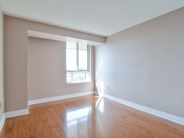 Condo Apartment at 20 Cherrytree Dr, Unit 1106, Brampton, Ontario. Image 4