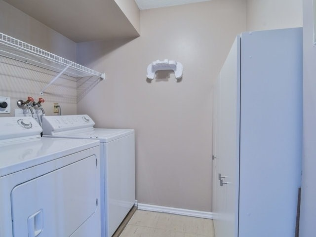 Condo Apartment at 20 Cherrytree Dr, Unit 1106, Brampton, Ontario. Image 5