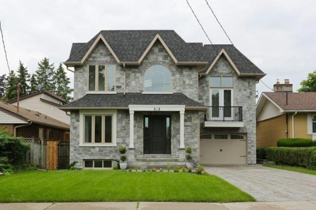 Detached at 424 Martin Grove Rd, Toronto, Ontario. Image 1