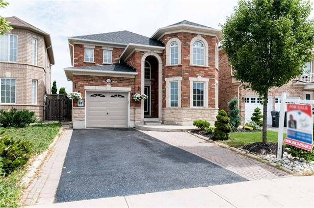 Detached at 101 Queen Mary Dr, Brampton, Ontario. Image 1