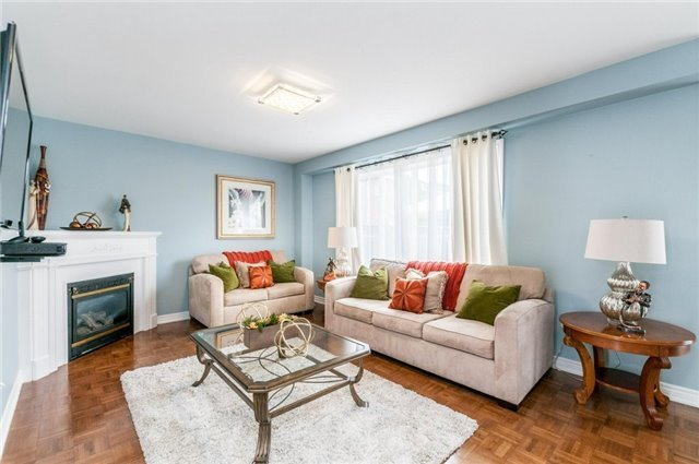 Detached at 101 Queen Mary Dr, Brampton, Ontario. Image 16