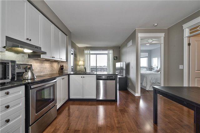 Condo Apartment at 3563 Lake Shore Blvd W, Unit 703, Toronto, Ontario. Image 12