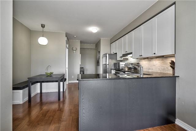 Condo Apartment at 3563 Lake Shore Blvd W, Unit 703, Toronto, Ontario. Image 15
