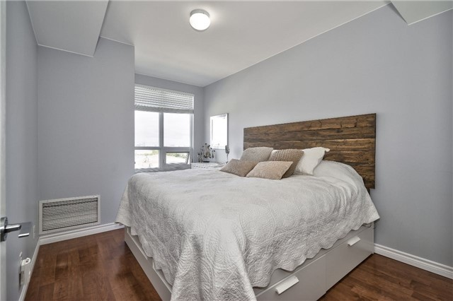 Condo Apartment at 3563 Lake Shore Blvd W, Unit 703, Toronto, Ontario. Image 17