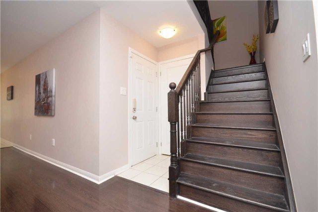 Detached at 5 Stead St, Brampton, Ontario. Image 3