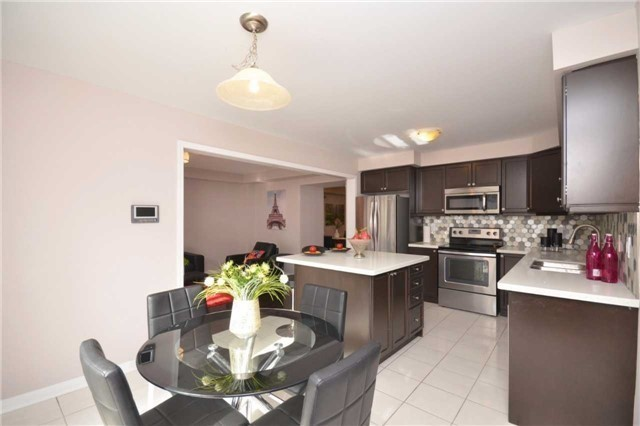 Detached at 5 Stead St, Brampton, Ontario. Image 5