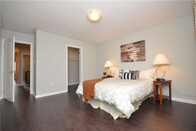 Detached at 5 Stead St, Brampton, Ontario. Image 7