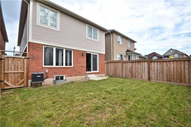 Detached at 5 Stead St, Brampton, Ontario. Image 13
