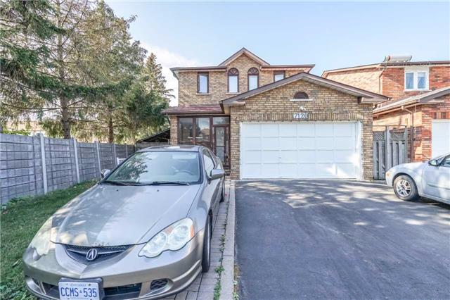 Detached at 7120 Dalewood Dr, Mississauga, Ontario. Image 1